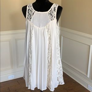 Umgee Slvls Lace & Pleat Accent Dress Tunic NWT